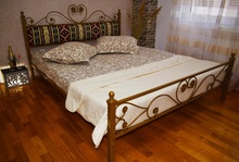 Pat matrimonial fier forjat Pablo, tapiterie stofa motive traditionale 140x200