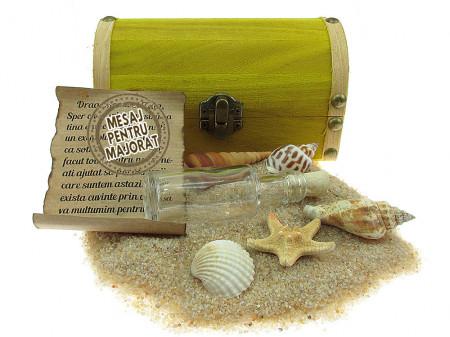 Cadou Majorat personalizat mesaj in sticla in cufar mediu galben
