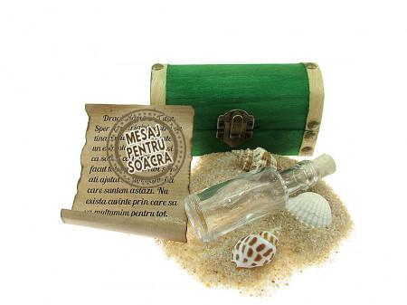 Cadou pentru Soacra personalizat mesaj in sticla in cufar mic verde