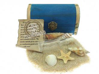 Cadou pentru Ziua Indragostitilor personalizat mesaj in sticla in cufar mediu albastru