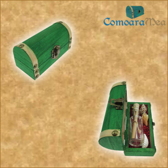 Cadou Majorat personalizat mesaj in sticla in cufar mic verde