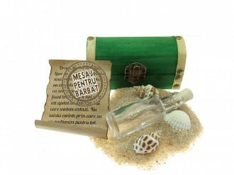 Cadou Barbati personalizat mesaj in sticla in cufar mic verde