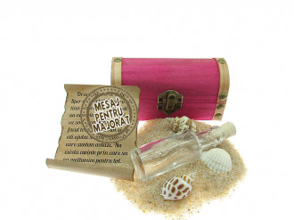Cadou Majorat personalizat mesaj in sticla in cufar mic roz