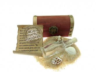 Cadou pentru Pensionare personalizat mesaj in sticla in cufar mic maro
