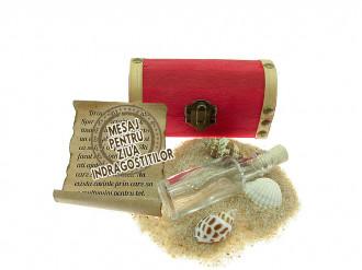 Cadou pentru Ziua Indragostitilor personalizat mesaj in sticla in cufar mic rosu