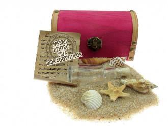 Cadou pentru Ziua Indragostitilor personalizat mesaj in sticla in cufar mediu roz