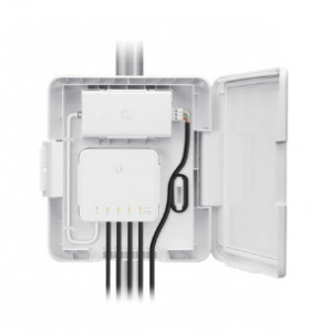 Ubiquiti USW-Flex-Utility Flex Switch Adapter Kit for Street Light Pole Applications