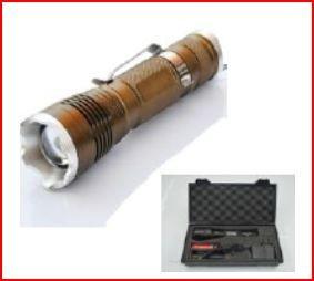 Lanterna c/ bateria 10W com foco ajustável e regulação CASTANHA