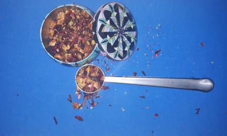 Set Cutie Depozitare si Lingurita masura ceai din inox