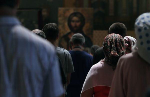 Nu înmulțiți păcatele în biserică