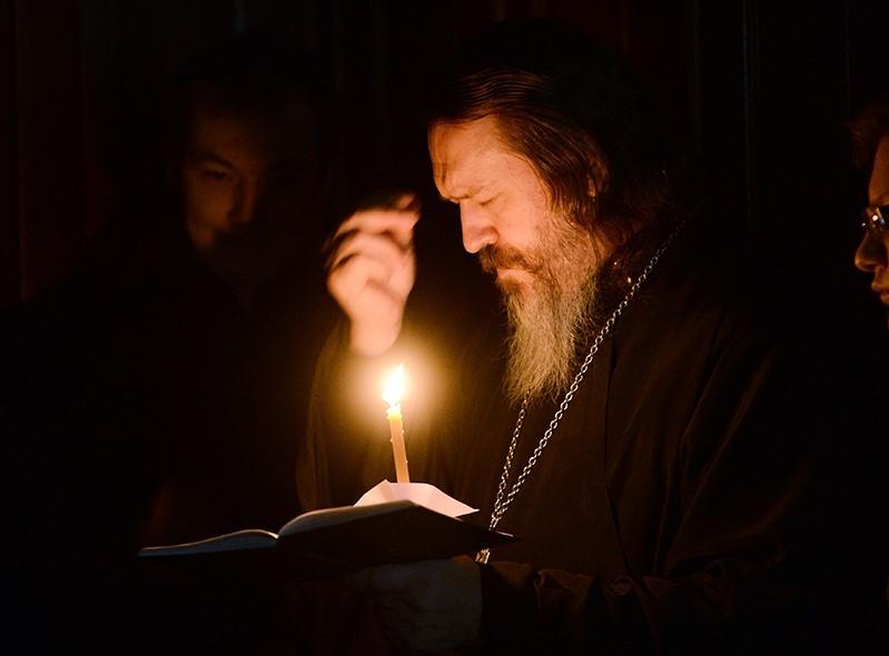 Lumânarea – o antenă ce ne pune în legătură cu Dumnezeu