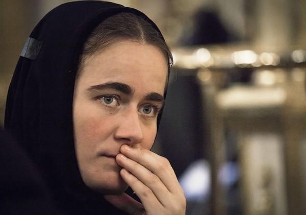 Când vei vedea pe cineva că te urăşte, sau te nedreptăţeşte, începe să-l pomeneşti la rugăciune