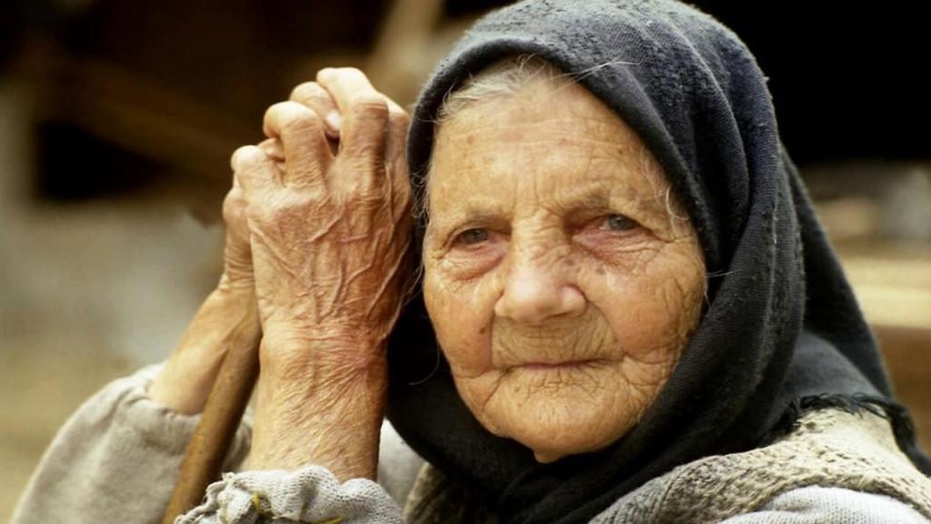 Cu bunica despre razboi, evacuare, tifos, foamete și coronavirus