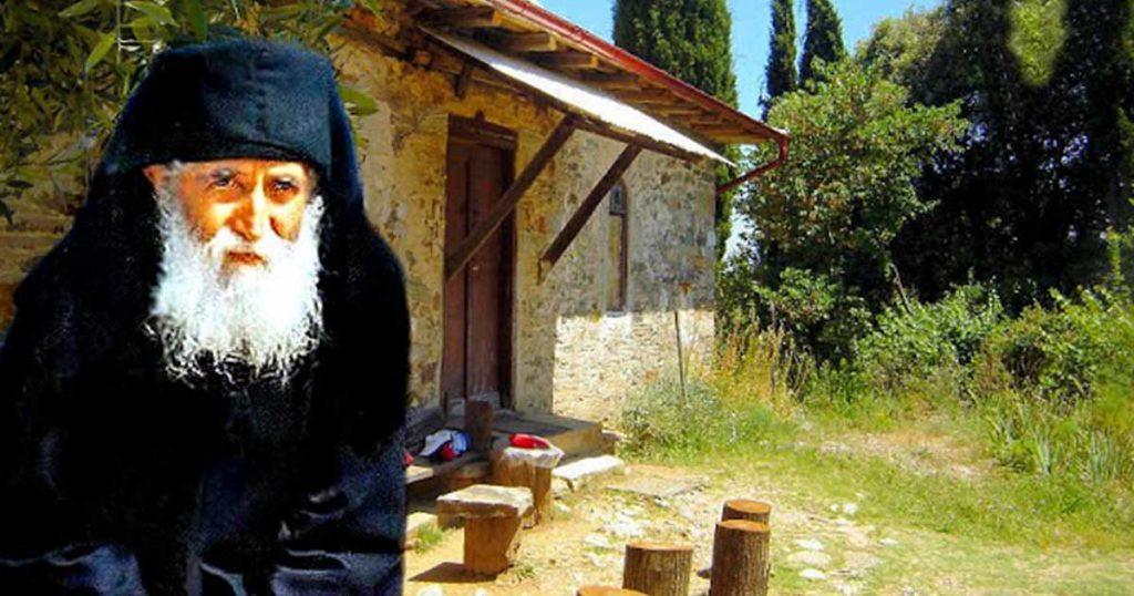 Părintele Paisie Aghioritul: Mă rog cu durere, smerit, toată noaptea pentru toţi cei care se află pe drumuri şi sunt în primejdii