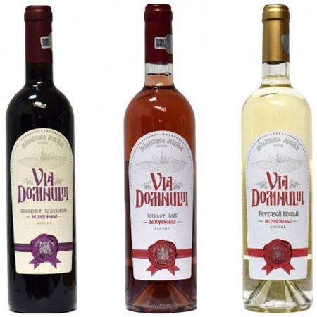 Pachet 3 vinuri demiseci Via Domnului: Cabernet Sauvignon + Merlot Roze + Feteasca Regala