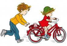 Lotta si bicicleta - poveste despre bucuriile copilariei - interior