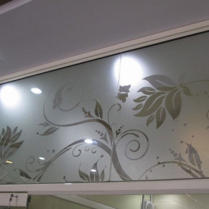 IMPORTED GLASS FILM IN AHMEDABAD WITH FITTING PER SQFT