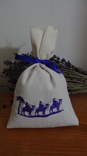 sacchetto in cotone ricamato deserto 11x16 cm 40 gr di lavanda circa