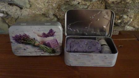scatolina metallo mazzo di lavanda con 10 ml di olio essenziale lavanda lavandino e sacchetto di lavanda