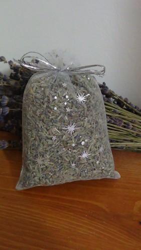 sacchetto lavanda in organza bianco con stelle  12x8 cm circa