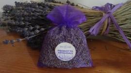 sacchetto di organza viola con circa 20gr di lavanda 10x13 cm con etichetta prodotto artigianale
