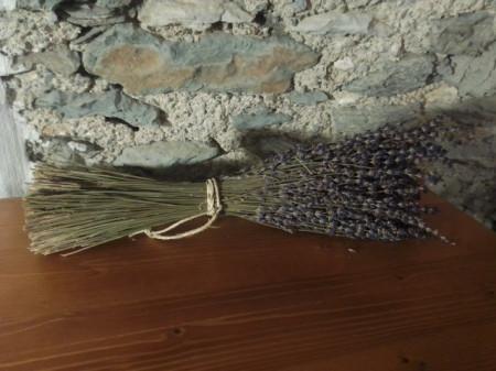 mazzo di lavanda da 80 gr circa 200 steli raccolto 2020