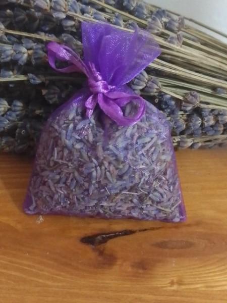 sacchetto di organza viola con circa 7gr di lavanda 7x9 cm