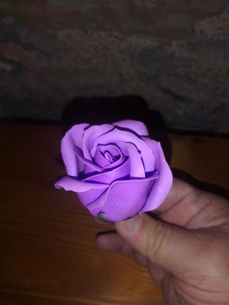 fiore di sapone a forma di rosa fragranza lavanda