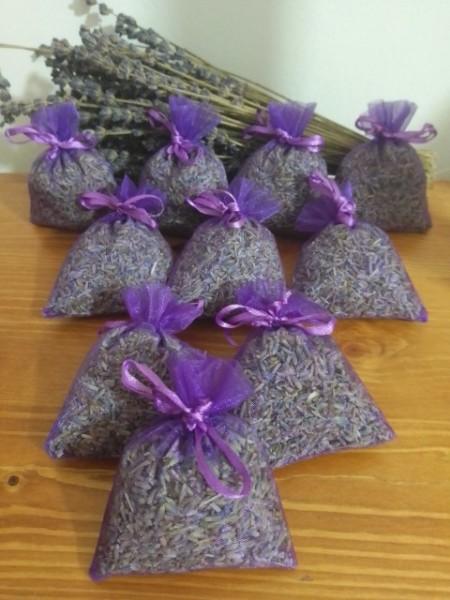10 sacchetti di organza viola con circa 7gr di lavanda 7x9 cm