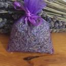 sacchetto di organza viola con circa 6 gr di lavanda 6x8 cm