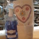 500 ml detergente mani lavanda con asciugamano ricamato montagna stella alpina 40x60 cm
