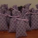 500 sacchetti in tessuto provenzale lilla scuro 13x6cm con circa 15 gr di lavanda