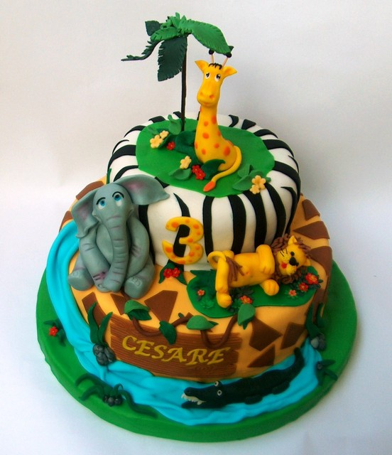 Torta decorata in pasta di zucchero Giungla immagini