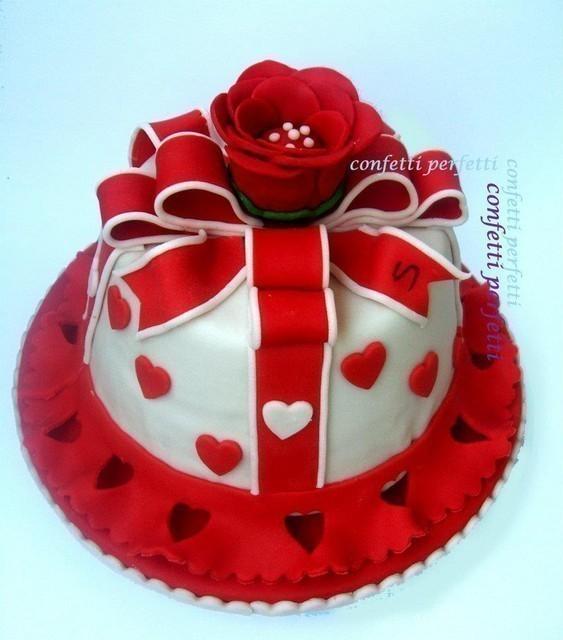 Torta Cake Design Torino : Torta decorata in pasta di zucchero.