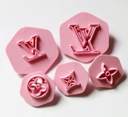Tagliapasta Louis Vuitton per la Pasta di zucchero