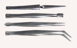 Set 4 Pinzette in metallo per modellazione.