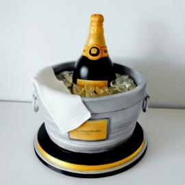 "Torta decorata in pasta di zucchero ""Champagne"""