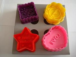 Love/ Thanks you/ Best Wishes/ Congrats. Set 4 Stampi espulsione Tagliapasta con Messaggi.