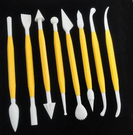 Strumenti in plastica per modellare la pasta di zucchero