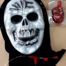 Teschio con Pompa e tubo per il sangue. Fantastica maschera Horror!!