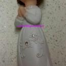 Cake Topper 3D Bambina che prega in piedi.