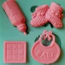 Stampo quadrato in silicone con 4 simpatici disegni a tema Baby.