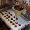 Dosatore o Imbuto per decorare facilmente creme e cioccolato sui vostri dolci.