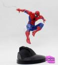 Uomo Ragno Volante con Ragnatela. Grande Statuina in PVC di Spiderman