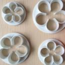 Rosa a 5 petali. 4 Cutter in plastica per decorazione dolci