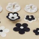 Rosa a 5 petali. 4 Cutter in plastica per torta