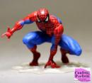Uomo Ragno con Ragnatela. Statuina in PVC di Spiderman