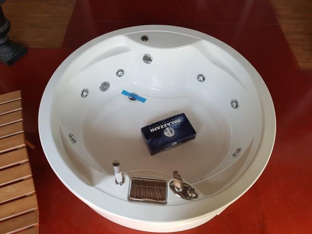 Scheda Tecnica Vasca Da Bagno Da Incasso : Vasca da bagno con seduta rettangolare da incasso baby two novellini