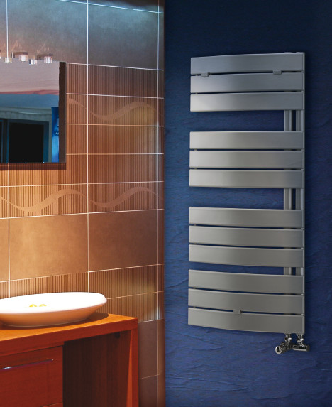 Radiatore da bagno pieve bianco decorative for Radiatore bagno