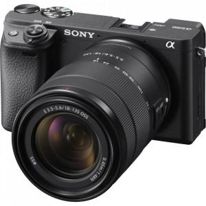 Camera digitala mirrorless Sony Alpha A6400 cu obiectiv 18-135mm